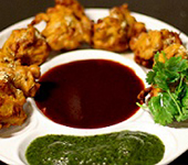 Vegetable Pakoras (6 per serve)